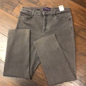 EUC sz 16 NYDJ grey stretch jeans